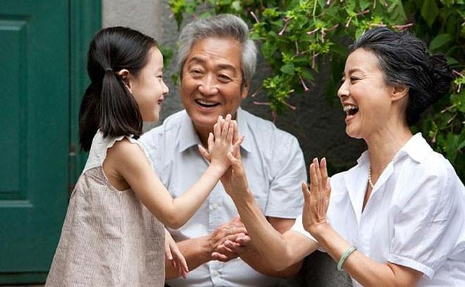Tuổi trung niên sống vì điều gì?